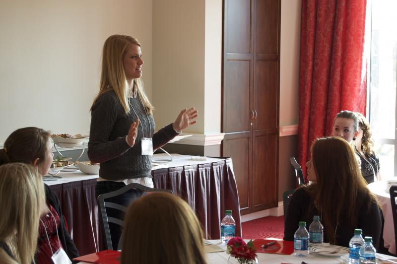 Abercrombie Intern Teaches Students About Networking